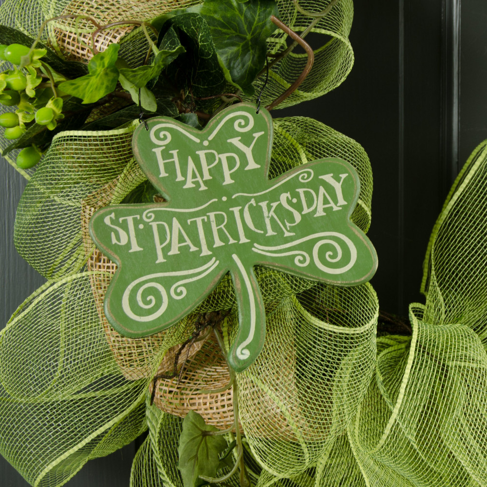 Happy St Patricks Day Wooden Clover Sign 6 X 6 23312