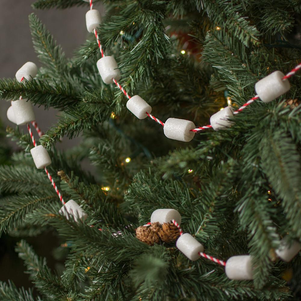 6 Marshmallow Christmas Garland
