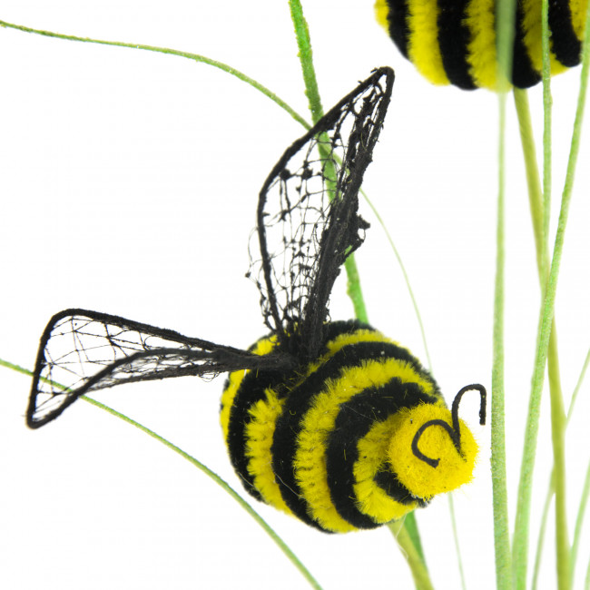 how to get rid of bumble bees around your house
