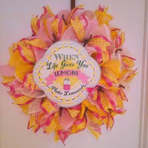 Lemonade wreath