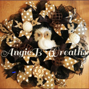 Hoot owl wreath